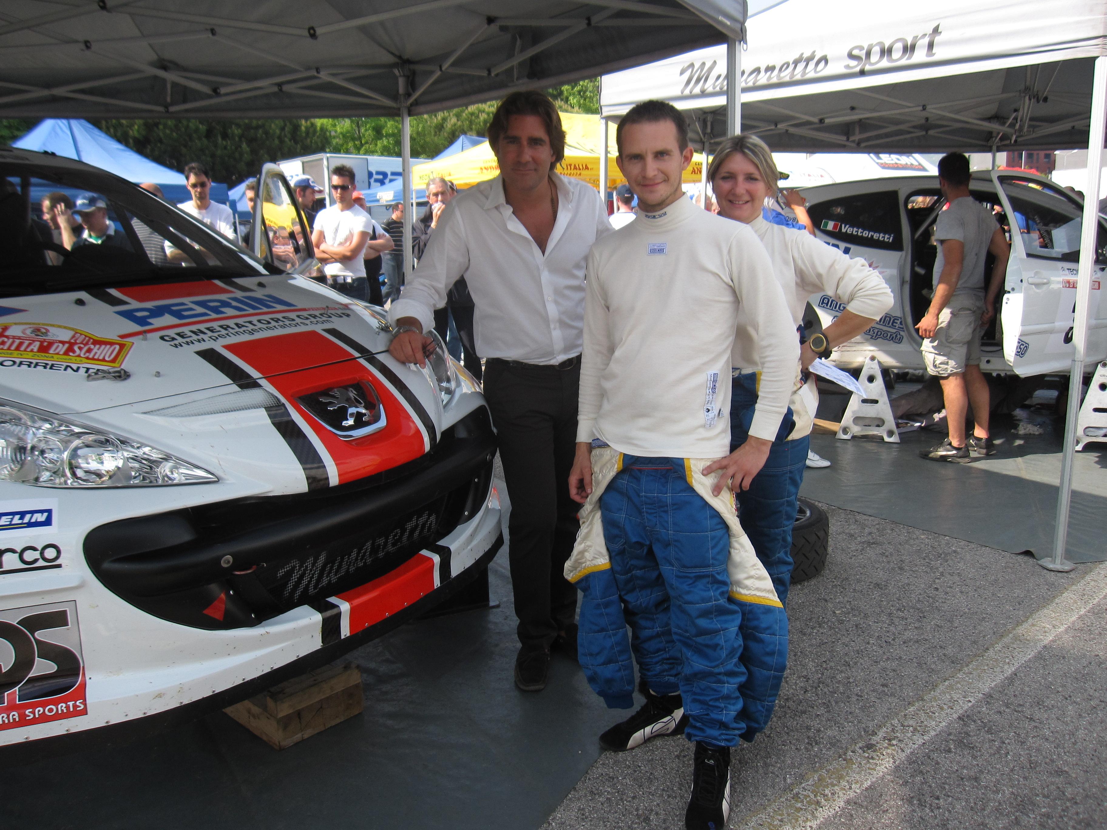 Il patron davide perin insieme ai piloti del rally blog for Gruppi elettrogeni usati 10 kw