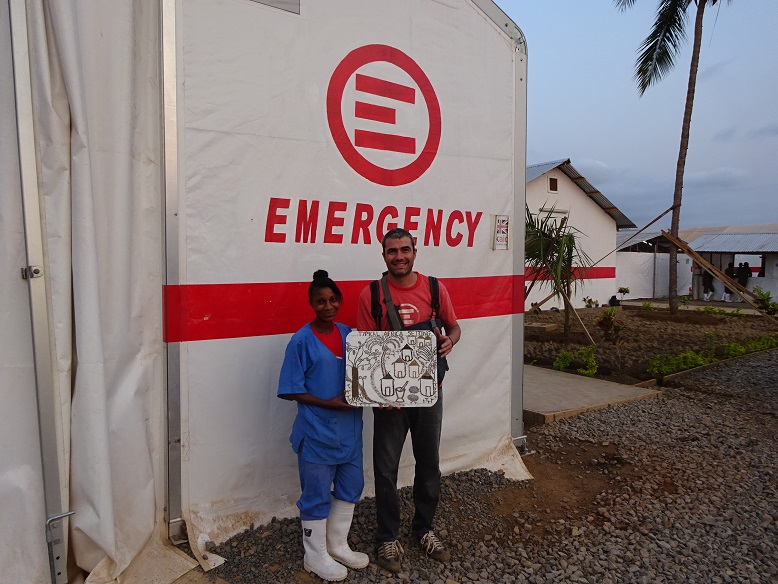 emergency-ebola-sierra-leone-lauretta-typical-africa-setting-1
