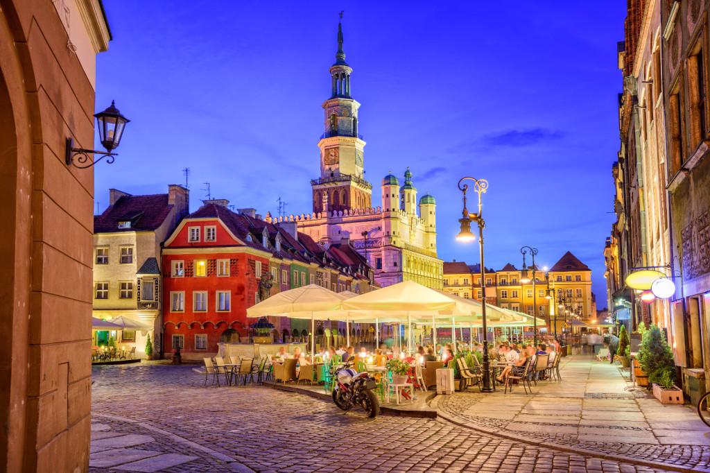 stary-rynek-poznan-1500-cs
