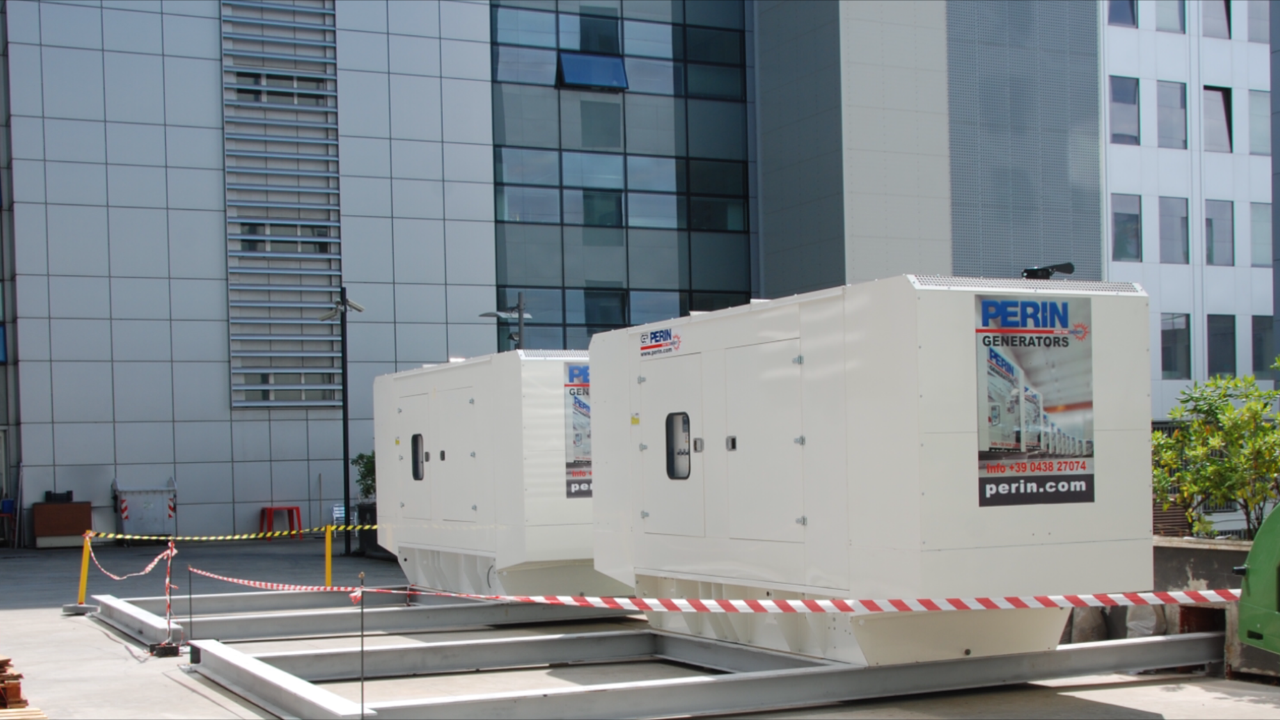 PERINGENERATORS: nuova installazione in un'area di edifici ...