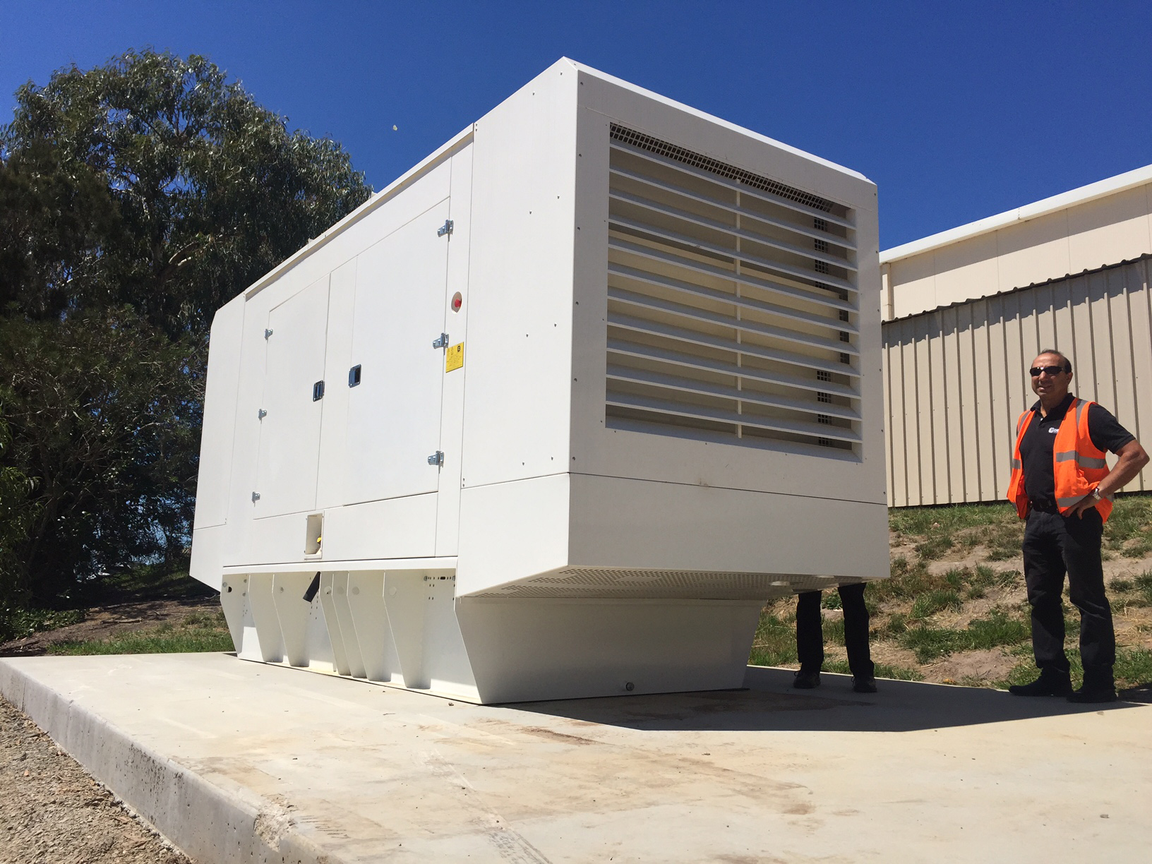 PERINGENERATORS: installation new 800 kW power generator in