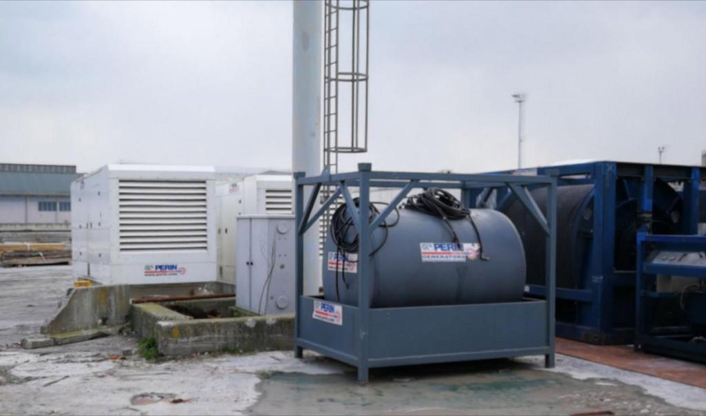 generatori-di-corrente-PERINGENERATORS-consegnati-su-una-nave-1