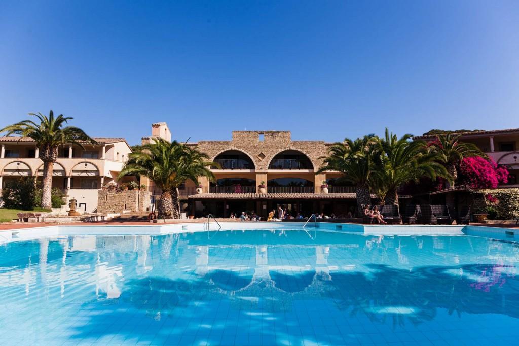 power-generators-PERINGENERATORS-in-Costa-dei-Fiori-Hotel-Resort-in-Pula-Sardinia-1