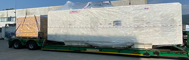 Loading operation: generators ready to Congo (AFRICA)